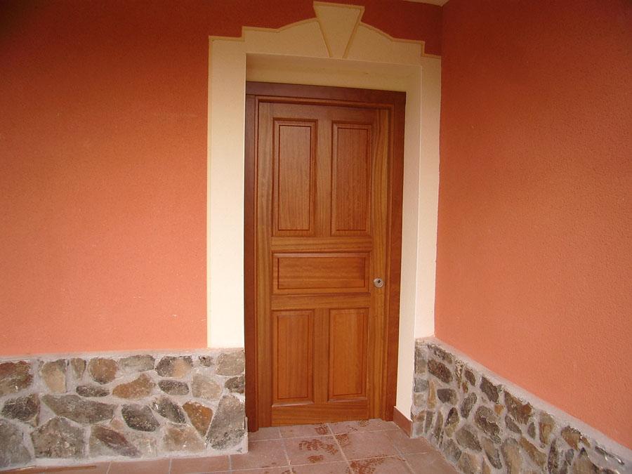 Carpinteria hernandez for Puertas en madera para interiores