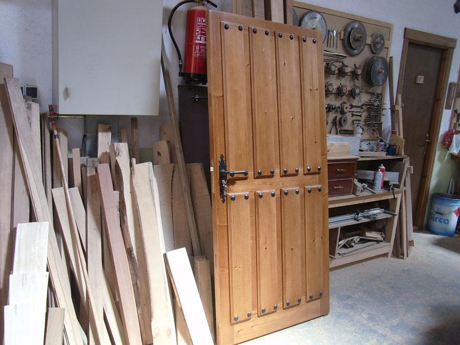 Carpinteria hernandez - Puertas color pino ...