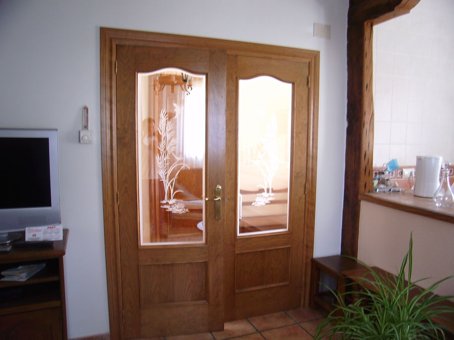 Carpinteria hernandez for Puertas de roble para interior
