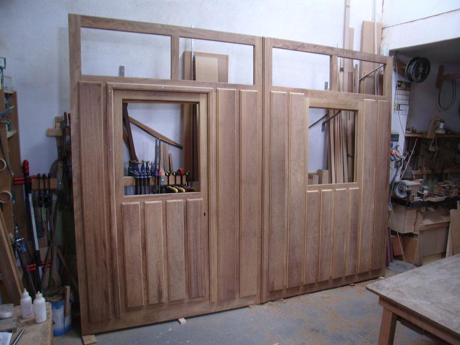 Carpinteria hernandez for Puertas de garaje de madera