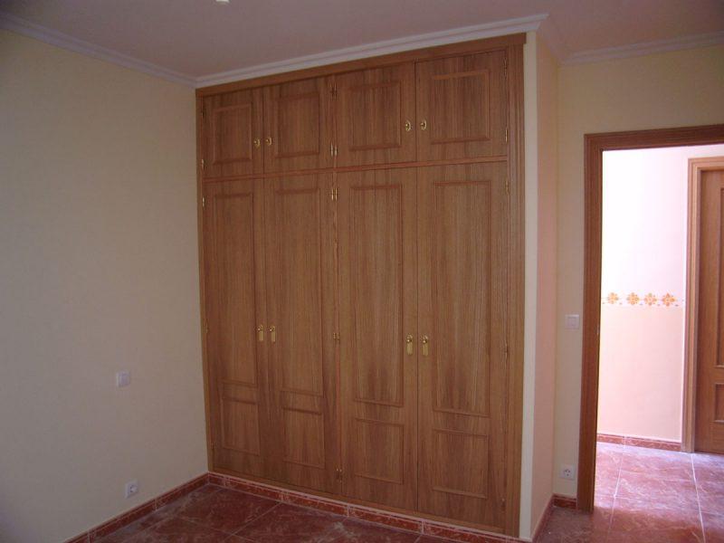 Armarios de puertas abatibles en roble carpinter a - Armarios empotrados puertas abatibles ...