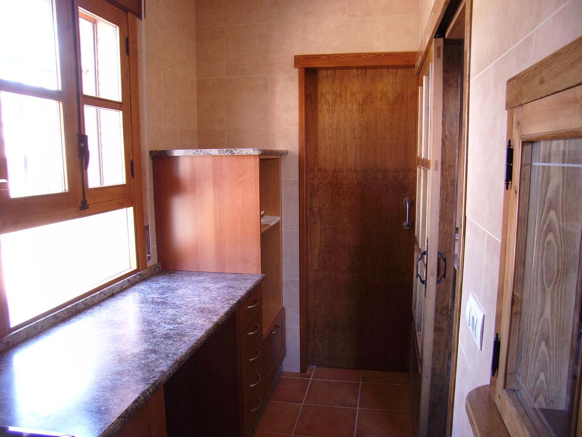 Cocina en color cerezo carpinter a hern ndez la encina for Muebles de cocina salamanca
