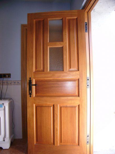 Puertas de entrada carpinter a hern ndez la encina - Medidas puerta entrada ...
